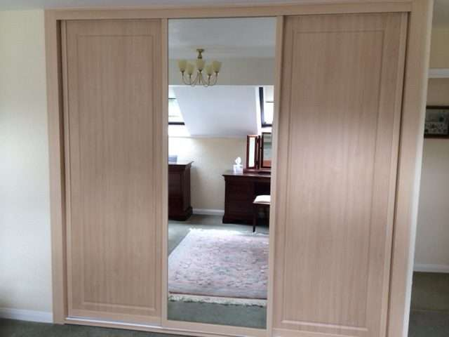 sliding door wardrobe company
