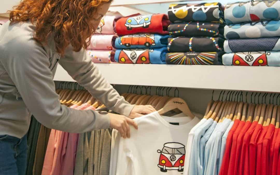 How should I organise my wardrobe?
